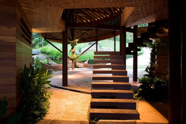 Modern Leaf House Interior Views from Brazil
