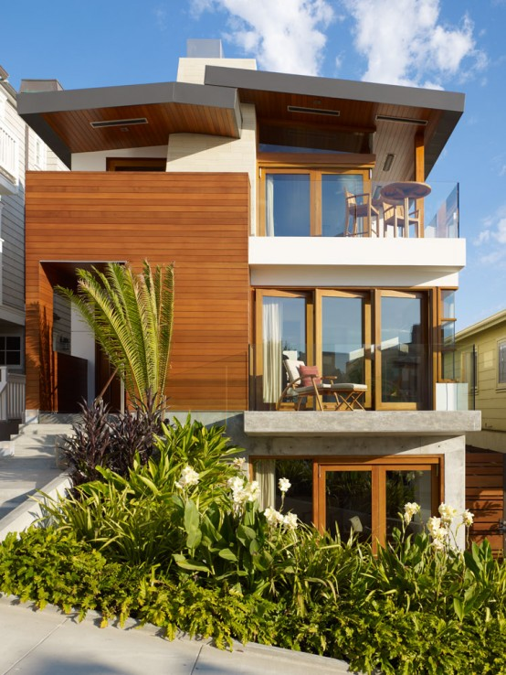 Modern Tropical House on a Small Lot with a Garden ...