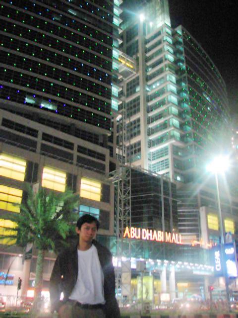 Architect Ian Jay in Abu Dhabi Mall