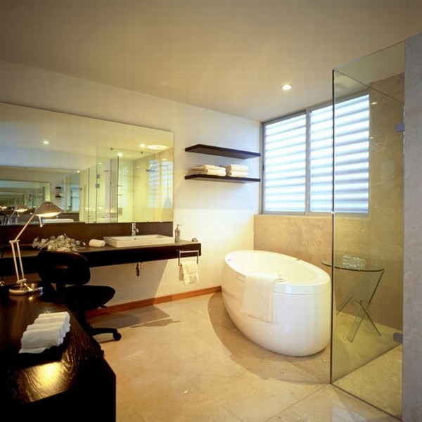 Modern House Design in Guadalajara, Mexico - Interior - Bath Tub